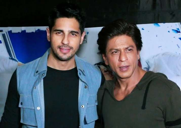 HERE'S WHY Sidharth Malhotra can't stop crushing over Bollywood icons Big B and SRK