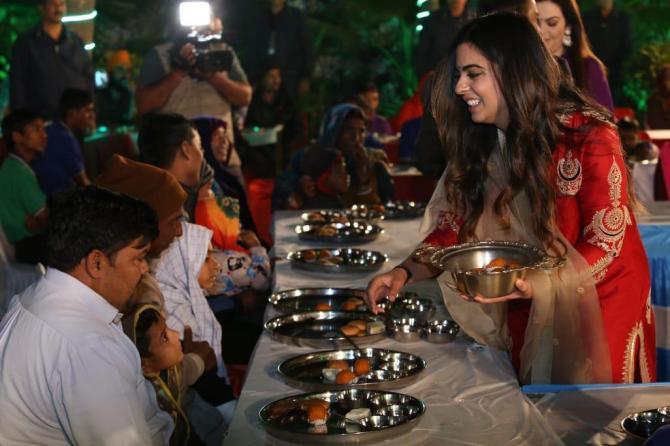 India Tv - Isha Ambani and Anand Piramal's fairytale wedding costs a fortune