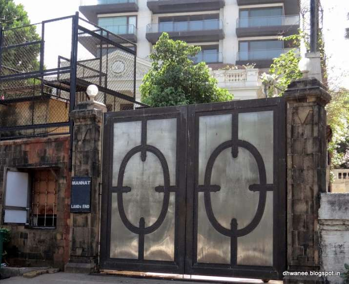 India Tv - Shah Rukh Khan's bungalow Mannat
