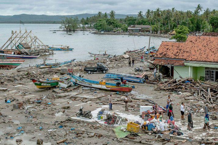 India Tv - Tsunami in Indonesia