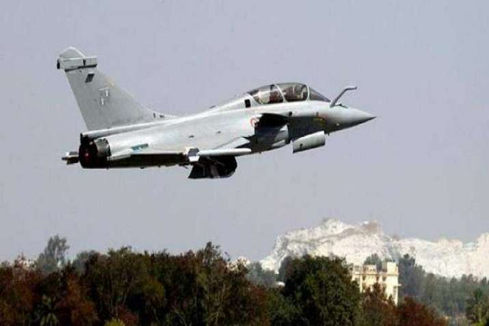 Rafale deal: In bid to expose Congress for 'plotting conspiracy' against Modi govt, BJP to hold pressers at 70 places on Monday