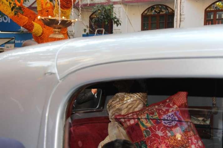 India Tv - Anand Piramal arrives at wedding