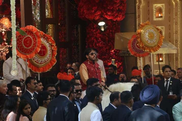 India Tv - Brothers Akash and Anant Ambani