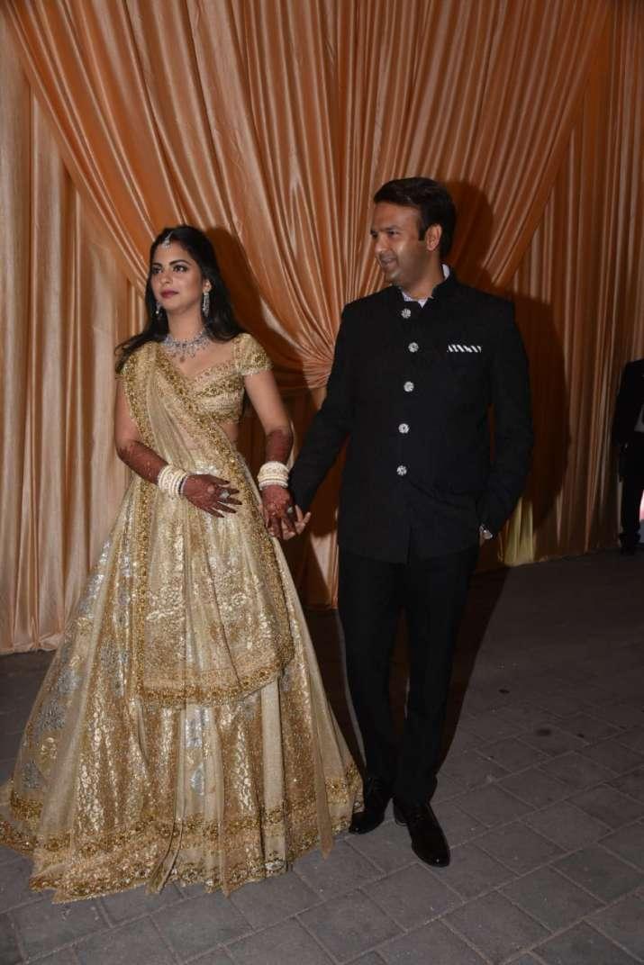 India Tv - Newlyweds Isha and Anand