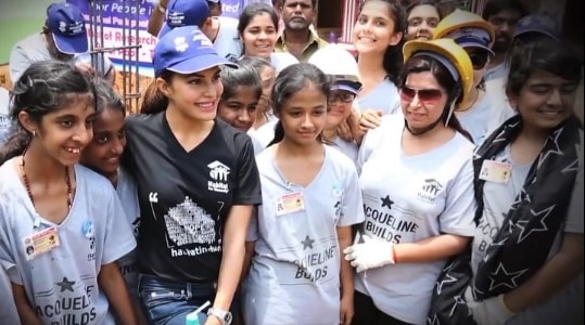 India Tv - Jacqueline Fernandez offers help to rebuild Kerala