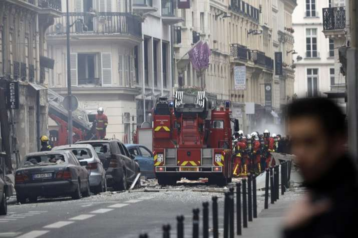 Powerful explosion damages bakery in Paris, multiple injuries reported