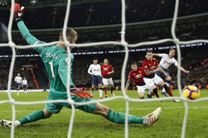 ab45e195a Premier League  David De Gea s saves help Manchester United beat Tottenham