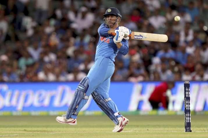 India Tv - MS Dhoni scored 193 runs in the ODI series against Australia