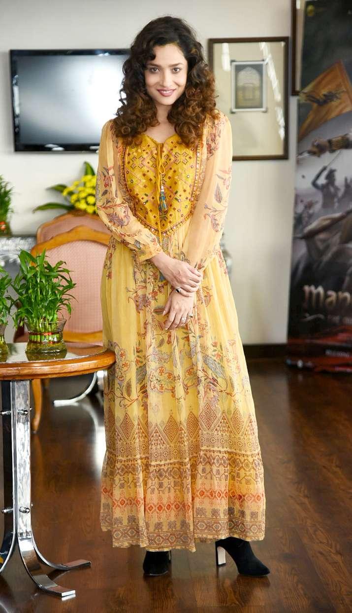 Kareena Kapoor Khan Ankita Lokhande Up The Winter Chills