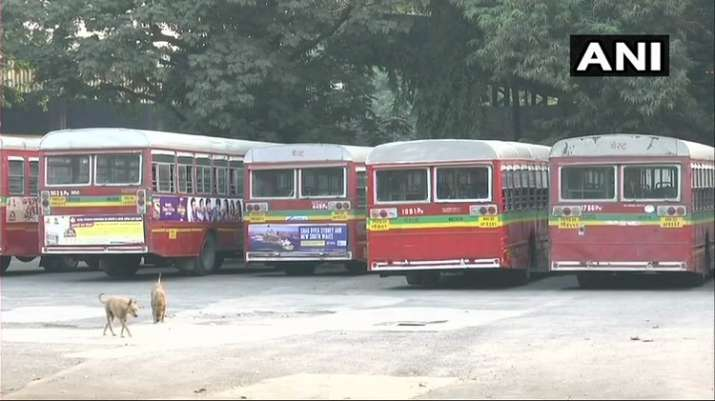 India Tv - BEST bus employees' strike continues in Mumbai