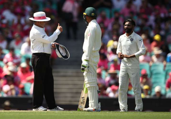 India Tv - Umpire Ian Gould gave Rahul an applause and a thumbs up for his fair play
