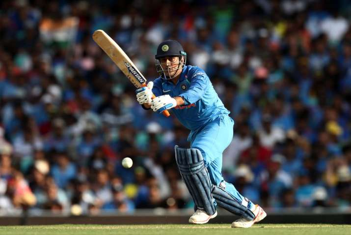 Sachin Tendulkar expects MS Dhoni to control the game from one end now