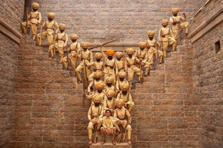 Kesari new poster: Akshay Kumar gives tribute to 21 Sikhs who fought against 10000 invaders