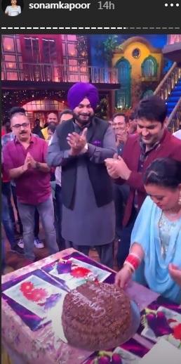 India Tv - Bharti Singh cutting the cake