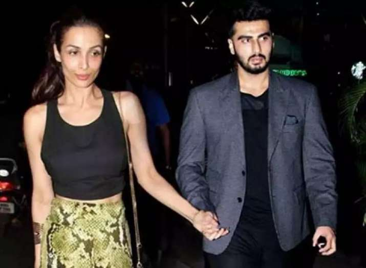 Arjun Kapoor blasts out on paparazzi for stationing outside his and Malaika Arora's house