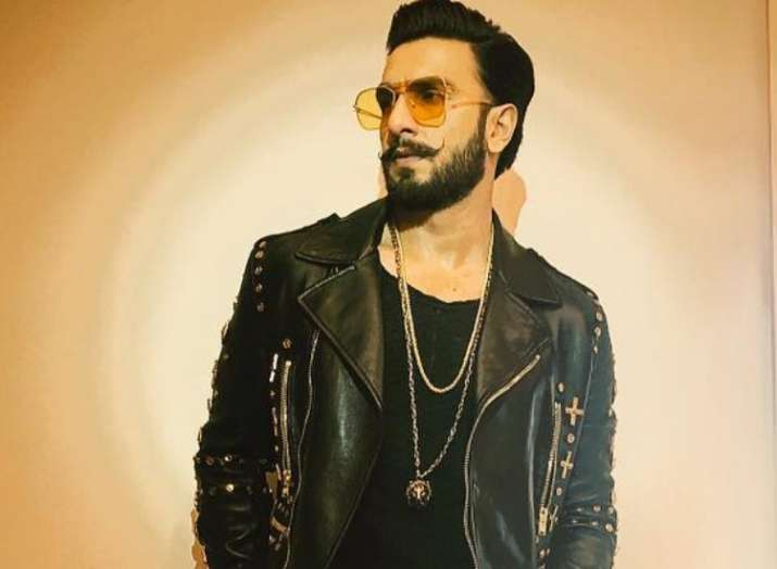 Image result for Gully Boy Ranveer Singh Reveals Who His Favorite Rapper Is, Says His Dressing Style Is Inspired By Him.