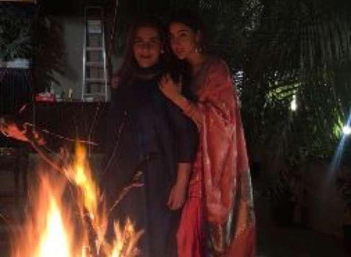 India Tv - Sara Ali Khan and Amrita Singh