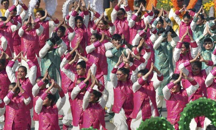 India Tv - School children perform during the 70th Republic Day Parade at Rajpath in New Delhi