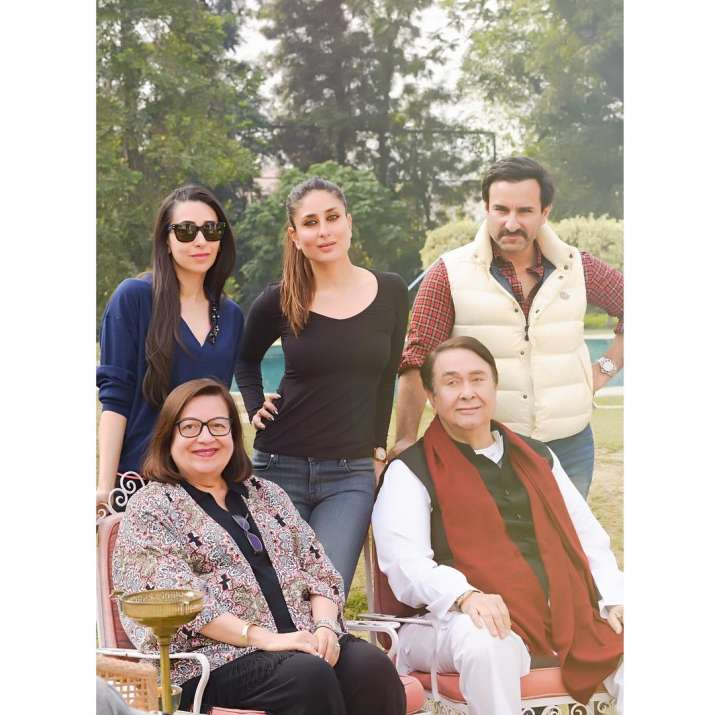 India Tv - Randhir Kapoor and wife shares beautiful moments with their children at Pataudi mansion