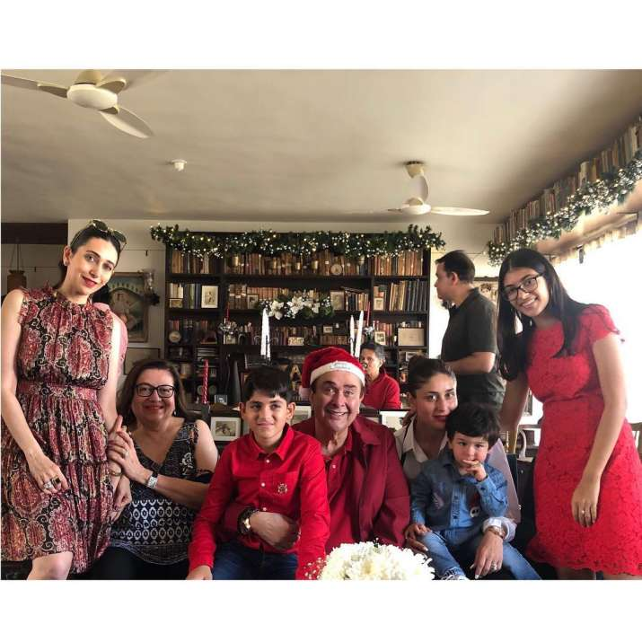India Tv - Randhir Kapoor enjoys Christmas lunch with his family