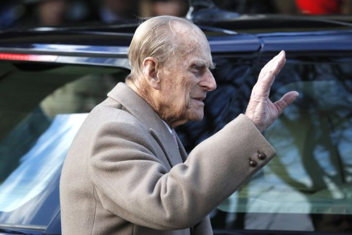 Queen Elizabeth's 97-yr-old husband gives up driving