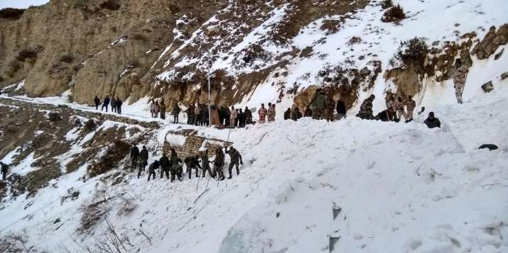 4 soldiers killed by snow avalanche near LoC in north Kashmir