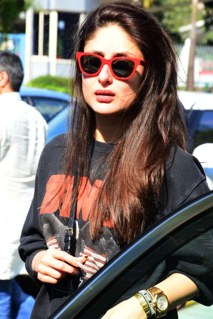 bc1c918757d4 Kareena Kapoor Khan adds oomph factor to her look with cool shades ...