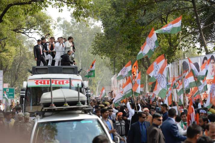India Tv - Priyanka and Rahul were given a rousing welcome by the party workers