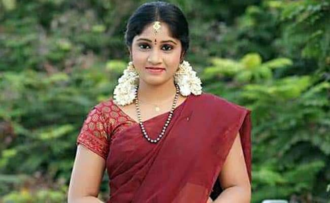 Telugu TV actress Naga Jhansi commits suicide in Hyderabad