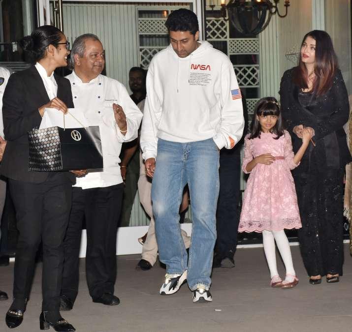 India Tv - Abhishek Bachchan celebrates 43rd birthday with Aishwarya Rai, Amitabh Bachchan, Shweta Bachchan and other family members