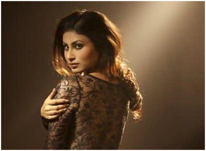 Naagin fame Mouni Roy excited to make Lakme Fashion Week ramp debut