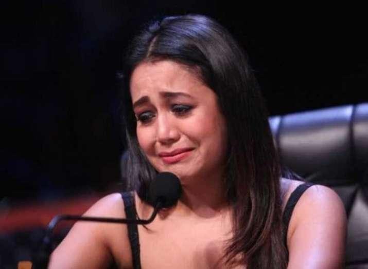 Neha Kakkar breaks down on a dance reality show