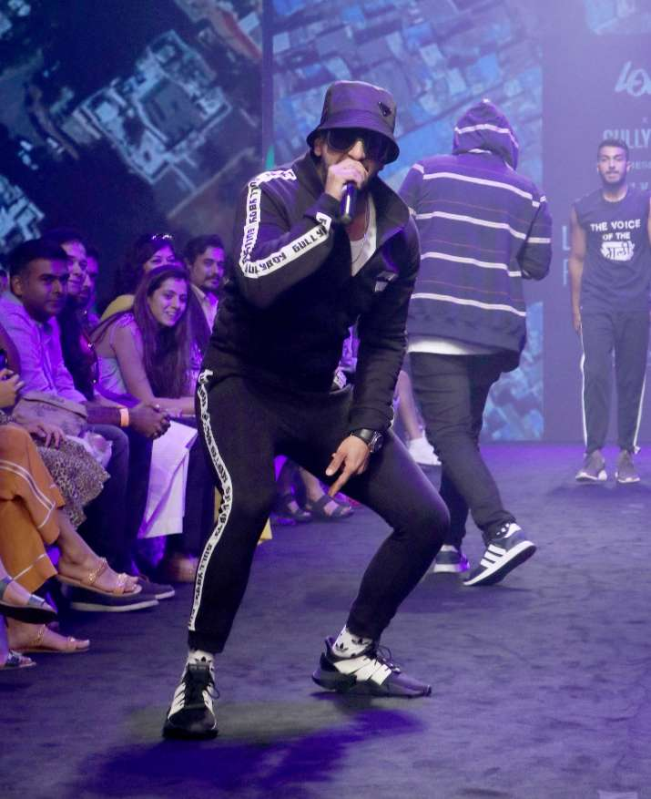 India Tv - PHOTOS: Gully Boy Ranveer Singh dons rapper's cap at Lakme Fashion Week 2019