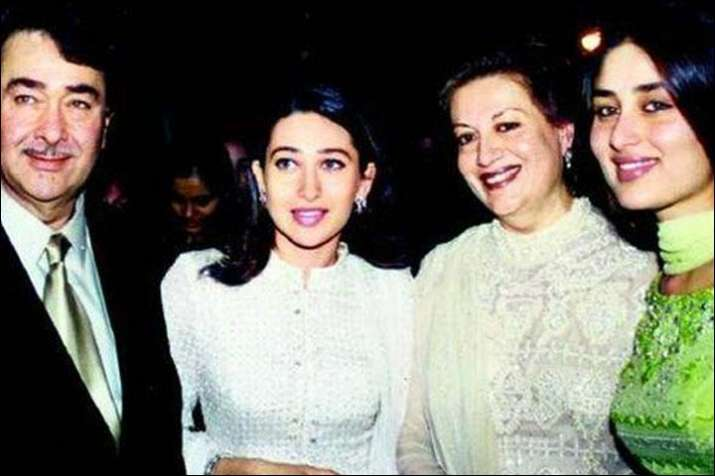 India Tv - Kareena and Karisma's early picture with father Randhir Kapoor