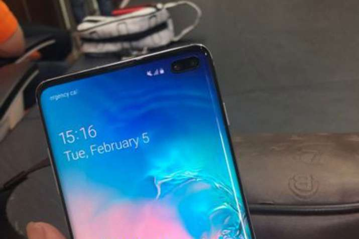 Samsung Galaxy S10 and S10+ live images leaked, show an