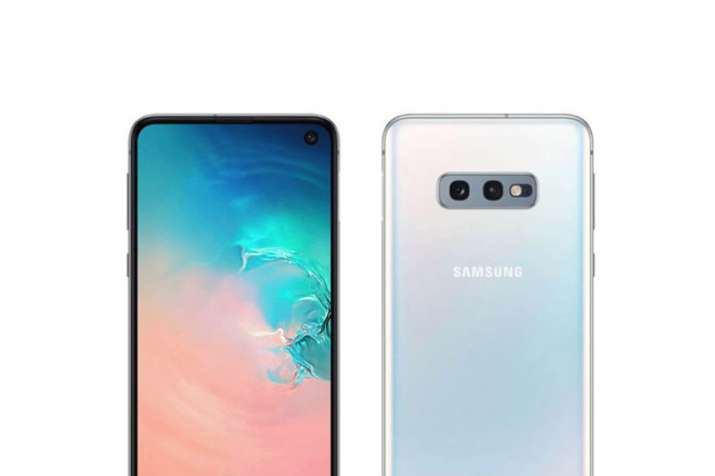 Samsung Galaxy S10e with an in-display camera and side