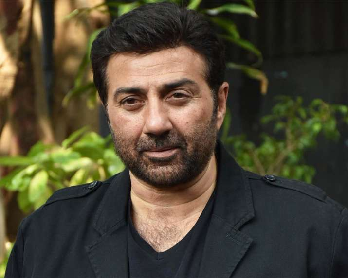 Aankhen 2: Sunny Deol approached to play grey role in Amitabh Bachchan starrer