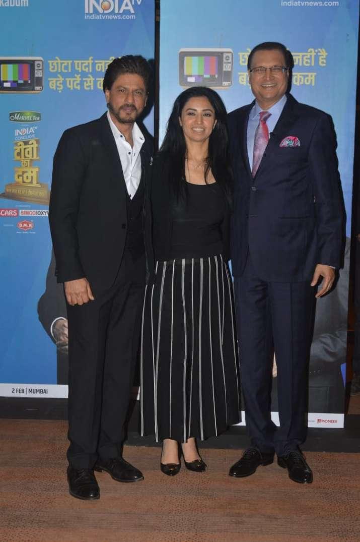 India Tv - Shah Rukh Khan with India TV's editor-in-chief Rajat Sharma and Managing Director Ritu Dhawan