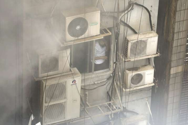 Bangladesh high-rise building catches fire, 19 dead, 70