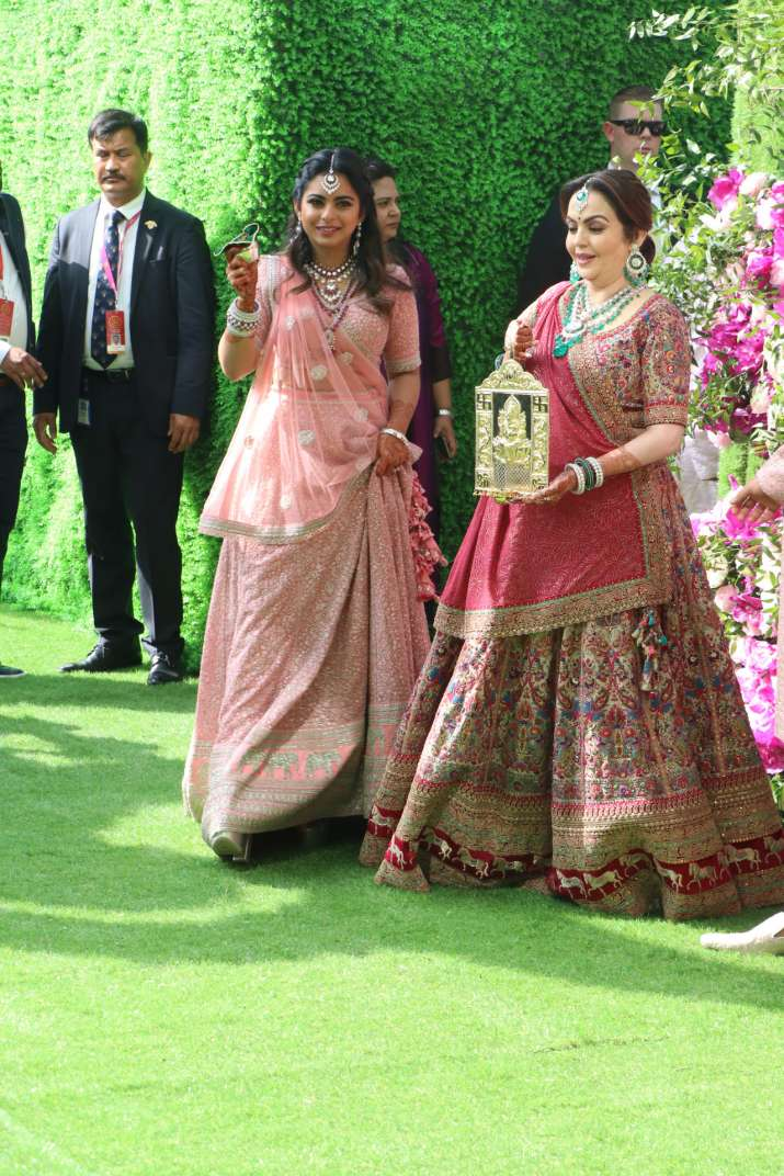 India Tv - Akash Ambani and Shloka Mehta wedding 2019: Nita Ambani and Isha Ambani