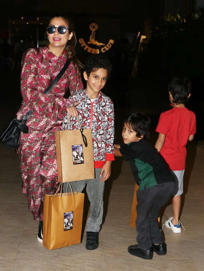 India Tv - She was accompanied by her children