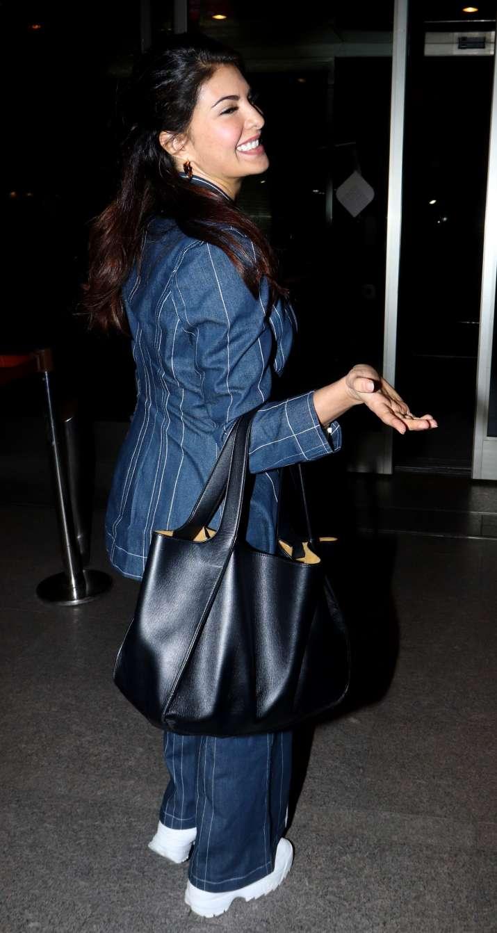 India Tv - Jacqueline Fernandez leaves forDa-Bangg Tour Reloaded