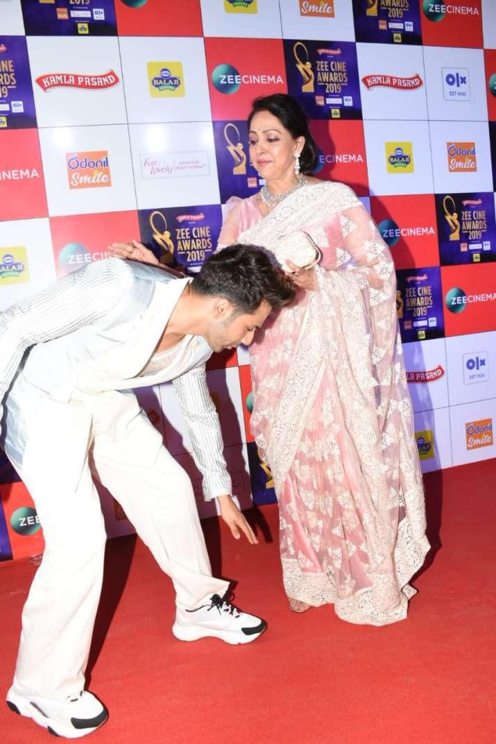 India Tv - Varun Dhawan and Hema Malini