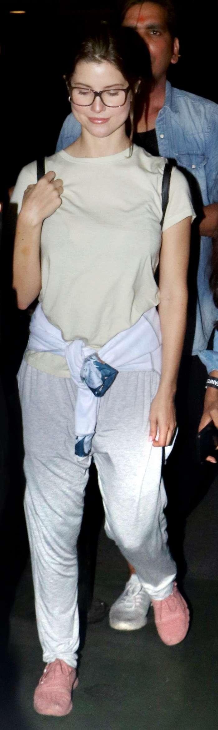 India Tv - Amanda Cerny arrives in Mumbai
