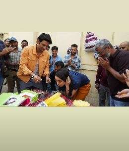 India Tv - Shraddha Kapoor celebrates birthday with Sushant Singh Rajput and other 'Chhichhores'