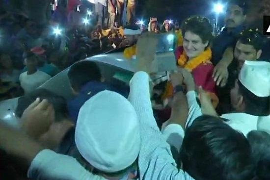 India Tv - Priyanka Gandhi Vadra holds a road show in Chunar, Mirzapur