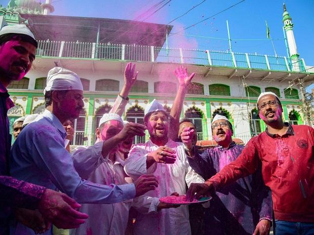 India Tv - Holi celebrations at Jama Masjid, Prayagraj