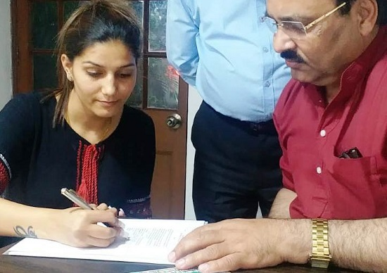 Dancer and actor Sapna Chaudhary joins Congress party