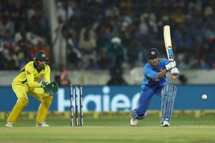 1st ODI: Kedar Jadhav, MS Dhoni fifties give India 1-0 series lead against Australia