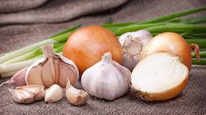Eating Garlic Onions Daily May Ward Off Colon Cancer Risk Says Study Lifestyle News India Tv